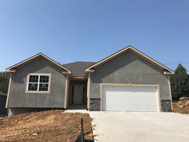 6208 N Green Hills Lane, Kansas City, MO 64151 (#2027907) :: The Shannon Lyon Group - Keller Williams Realty Partners