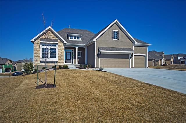 24312 W 67th Terrace, Shawnee, KS 66226 (#2031492) :: Edie Waters Team