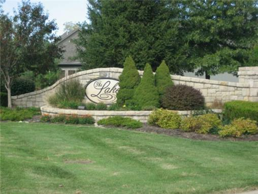 302 Shoreline Drive, Louisburg, KS 66053 (#2031935) :: No Borders Real Estate