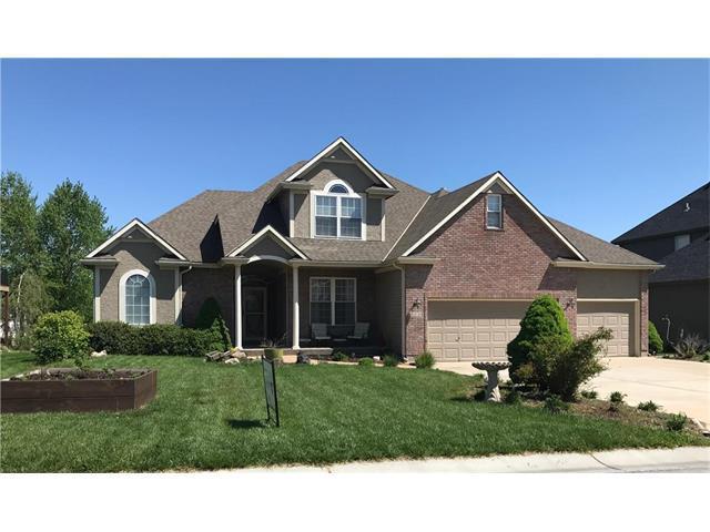 2856 SW Carlton Drive, Lee's Summit, MO 64082 (#2037754) :: Carrington Real Estate Services