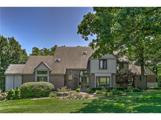 18317 Melrose Drive, Overland Park, KS 66013 (#2037784) :: Edie Waters Network