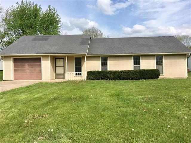 112 Northview Place, Windsor, MO 65360 (#2040665) :: Edie Waters Team