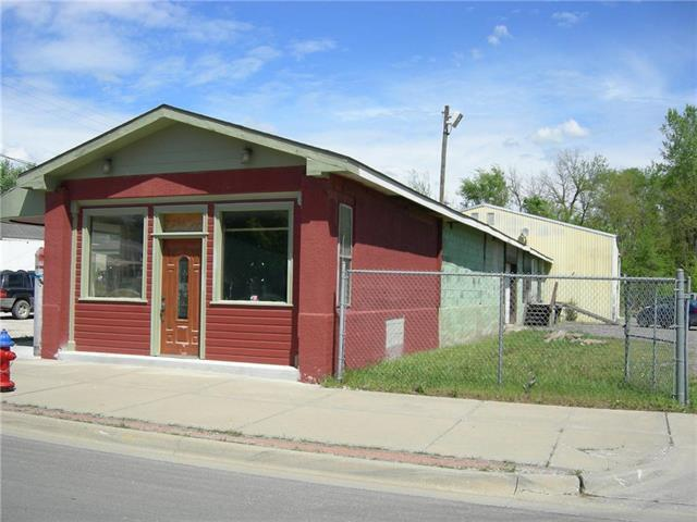 801 E 4th Street, Tonganoxie, KS 66086 (#2041913) :: No Borders Real Estate