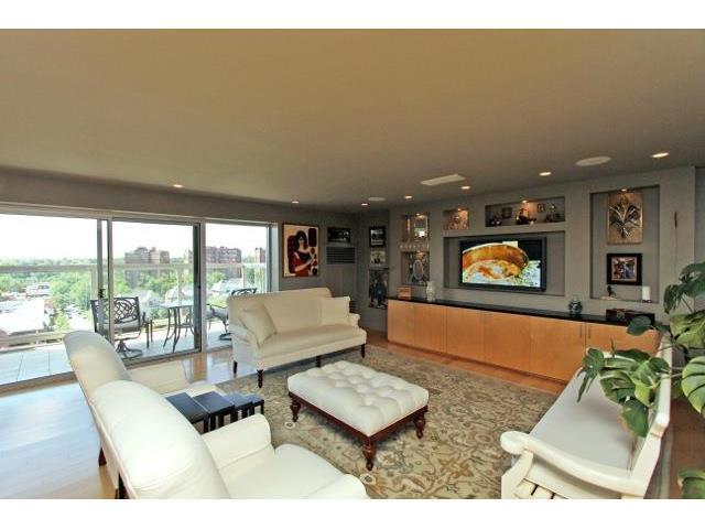 121 W 48th Street #1107, Kansas City, MO 64112 (#2049753) :: Carrington Real Estate Services