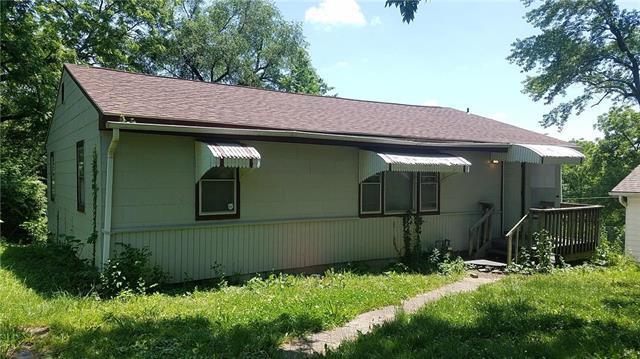 8123 Olive Street, Kansas City, MO 64132 (#2054393) :: Edie Waters Network