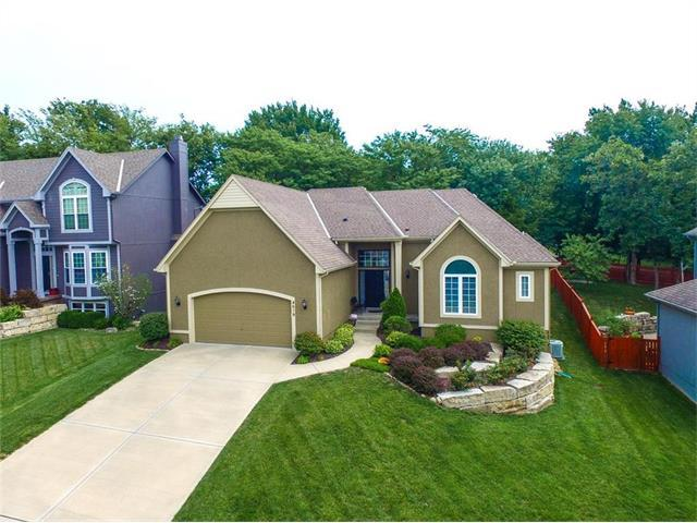 4619 Chouteau Street, Shawnee, KS 66226 (#2059050) :: NestWork Homes