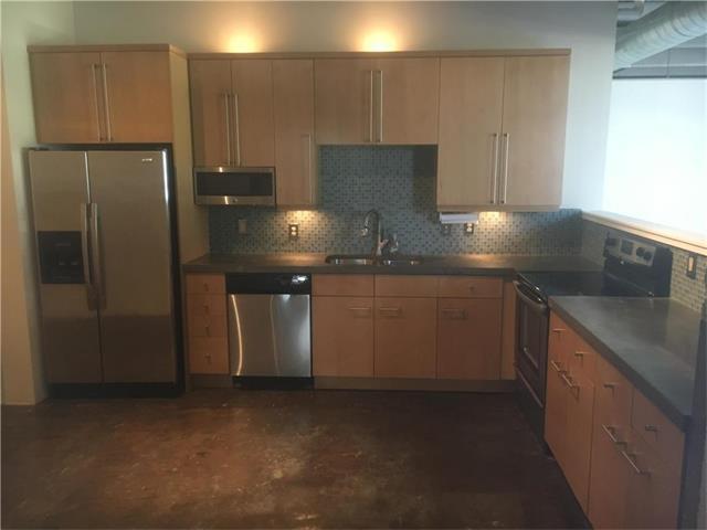 360 W Pershing #60 Road, Kansas City, MO 64108 (#2059766) :: Carrington Real Estate Services