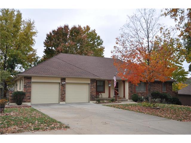 5772 Cottage Avenue, Kansas City, MO 64133 (#2060022) :: Edie Waters Team
