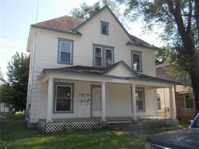 423 Benton Avenue, Excelsior Springs, MO 64024 (#2060313) :: Char MacCallum Real Estate Group