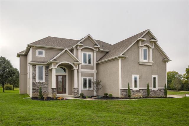 7817 Green Street, Shawnee, KS 66227 (#2061546) :: Edie Waters Network