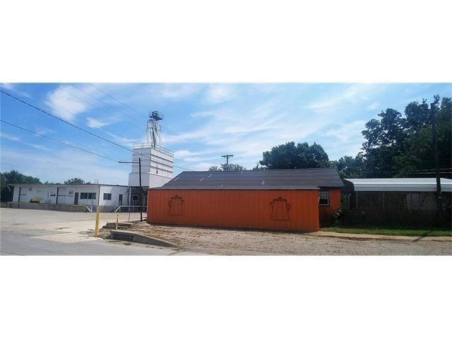 201 Main Street, Centerview, MO 64019 (#2062717) :: Carrington Real Estate Services