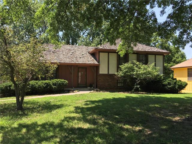 6024 Woodside Avenue, Kansas City, MO 64133 (#2062960) :: HergGroup Kansas City