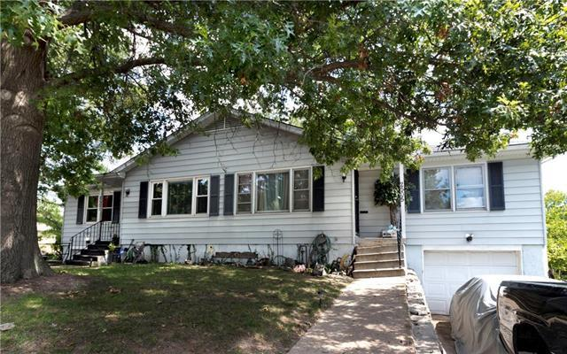 2501 Oakley Avenue, Kansas City, MO 64127 (#2065897) :: The Shannon Lyon Group - Keller Williams Realty Partners