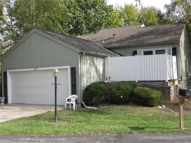 8229 N Chatham Avenue, Kansas City, MO 64151 (#2068109) :: The Shannon Lyon Group - Keller Williams Realty Partners