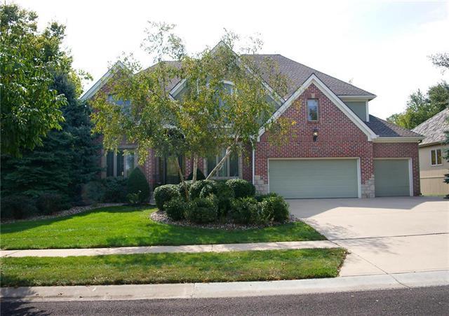 21215 W 81 Terrace, Lenexa, KS 66220 (#2069171) :: Edie Waters Team