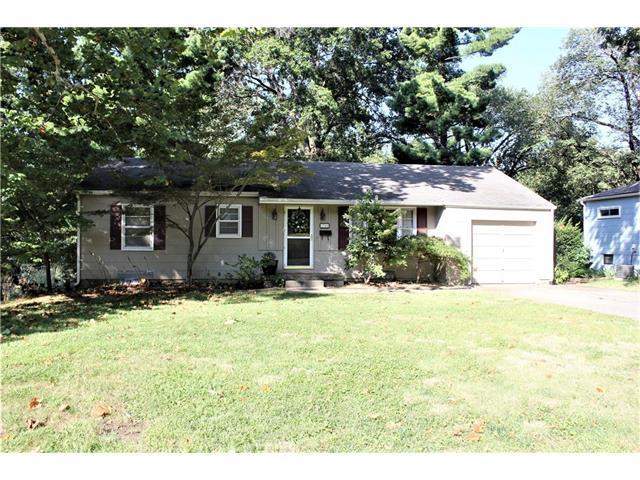 7940 Reeds Road, Prairie Village, KS 66208 (#2070729) :: NestWork Homes
