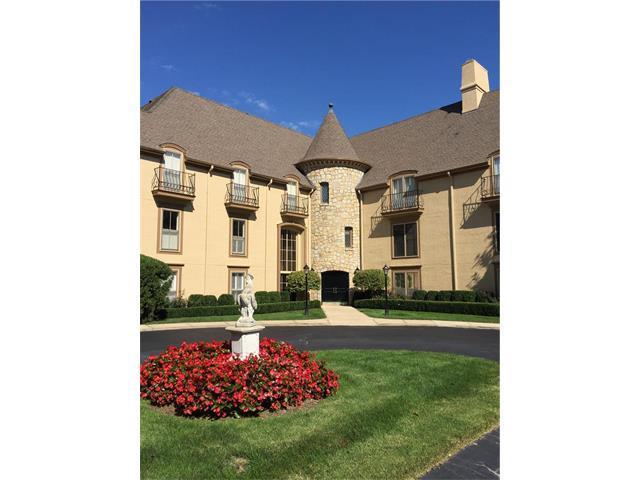 7223 Mission Road #114, Prairie Village, KS 66208 (#2071662) :: The Shannon Lyon Group - Keller Williams Realty Partners
