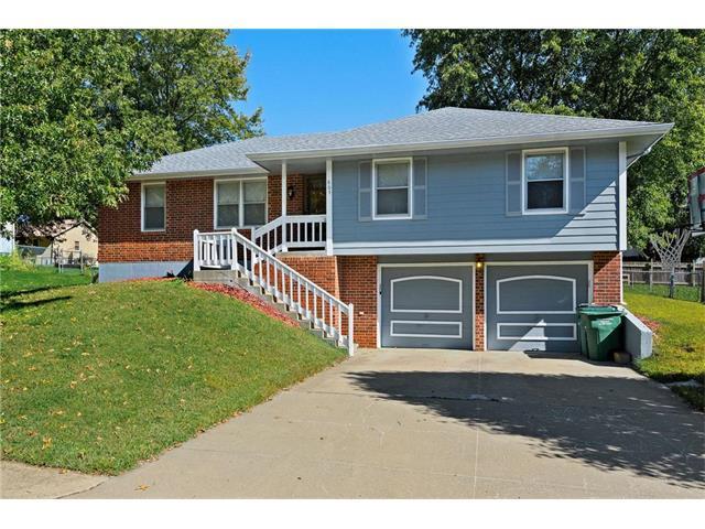 805 N Arnold Avenue, Harrisonville, MO 64701 (#2073528) :: Edie Waters Team