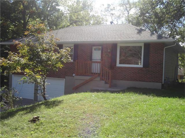 17229 E 40TH Terrace, Independence, MO 64055 (#2074602) :: Tradition Home Group