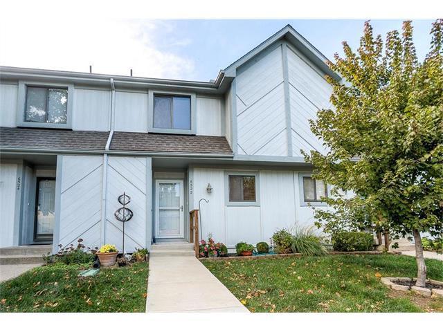 6522 Charles Street, Shawnee, KS 66216 (#2074696) :: Tradition Home Group