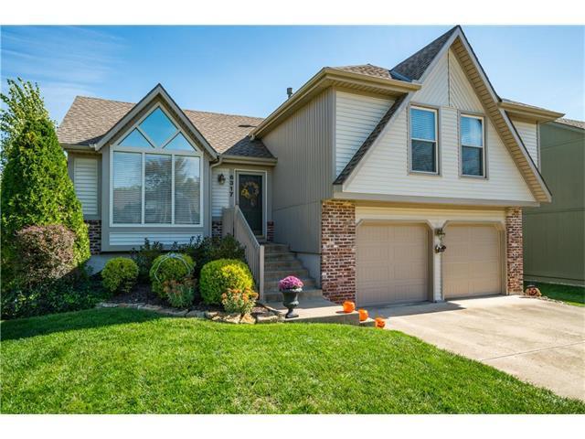 6317 Mccoy Street, Shawnee, KS 66226 (#2076082) :: The Shannon Lyon Group - Keller Williams Realty Partners