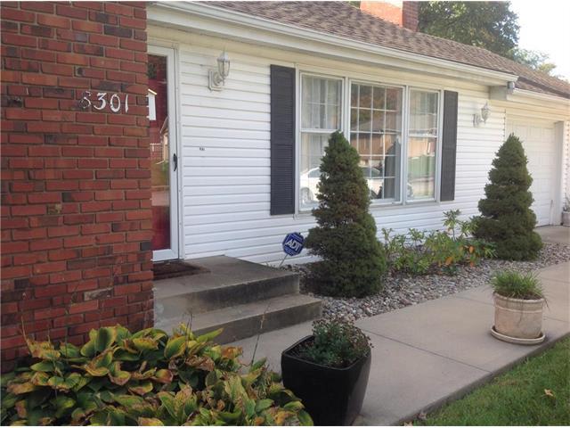 8301 W 91st Terrace, Overland Park, KS 66212 (#2076121) :: Select Homes - Team Real Estate
