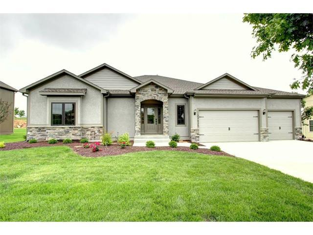 6920 Kenton Street, Shawnee, KS 66227 (#2076318) :: Edie Waters Network