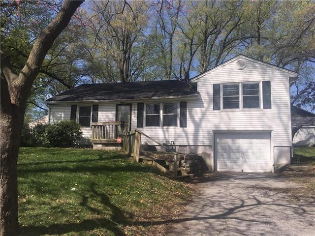 2904 S Vermont Avenue, Independence, MO 64052 (#2076425) :: Edie Waters Team