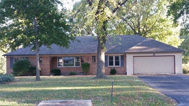 5109 Mansfield Lane, Shawnee, KS 66203 (#2076905) :: Edie Waters Team