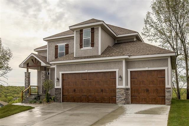 810 N Whispering Hills Drive, Lone Jack, MO 64070 (#2078861) :: Edie Waters Network