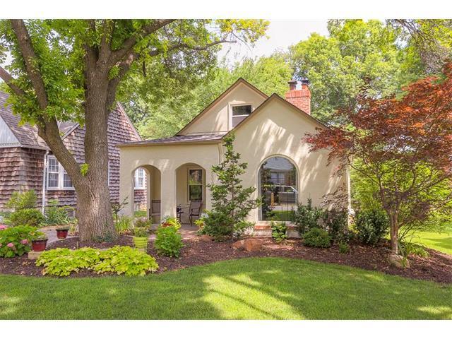 2000 W 73rd Terrace, Prairie Village, KS 66208 (#2079403) :: NestWork Homes