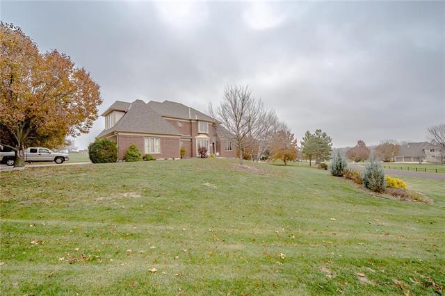 10500 W 149th Street, Overland Park, KS 66221 (#2079851) :: Char MacCallum Real Estate Group