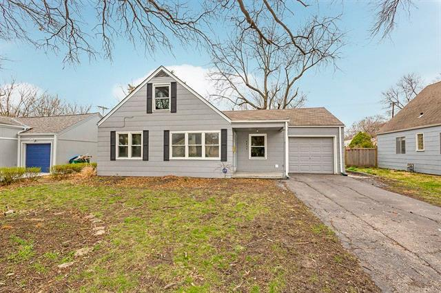 5436 Nall Avenue, Roeland Park, KS 66202 (#2080217) :: Char MacCallum Real Estate Group