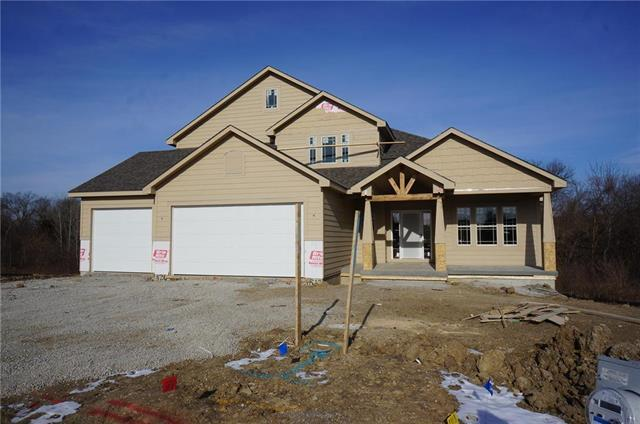 1522 SW Blackstone Place, Lee's Summit, MO 64082 (#2082168) :: Edie Waters Team