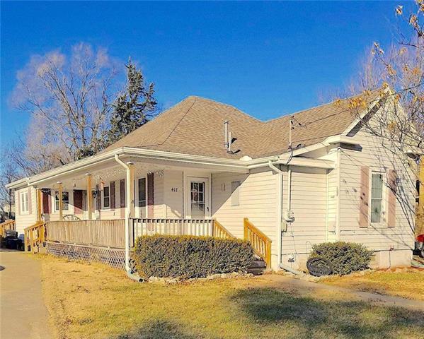 417 N Oak Street, Garnett, KS 66032 (#2083034) :: The Shannon Lyon Group - Keller Williams Realty Partners