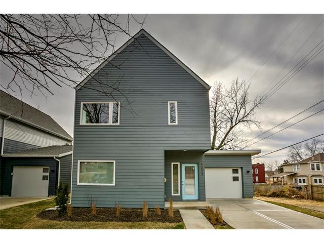 1217 E 45th Street, Kansas City, MO 64110 (#2084282) :: Edie Waters Network