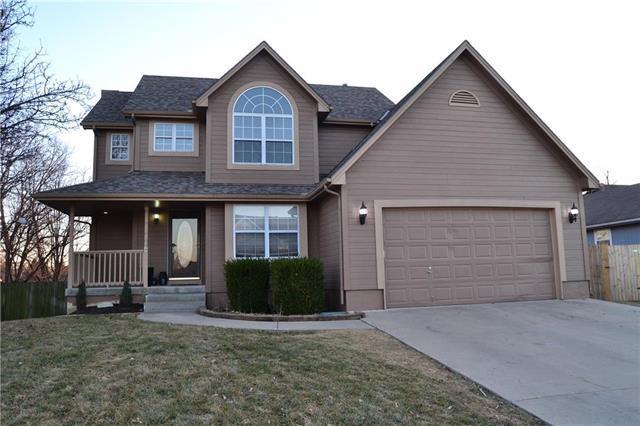 804 Wildwood Drive, Pleasant Hill, MO 64080 (#2086197) :: Edie Waters Team