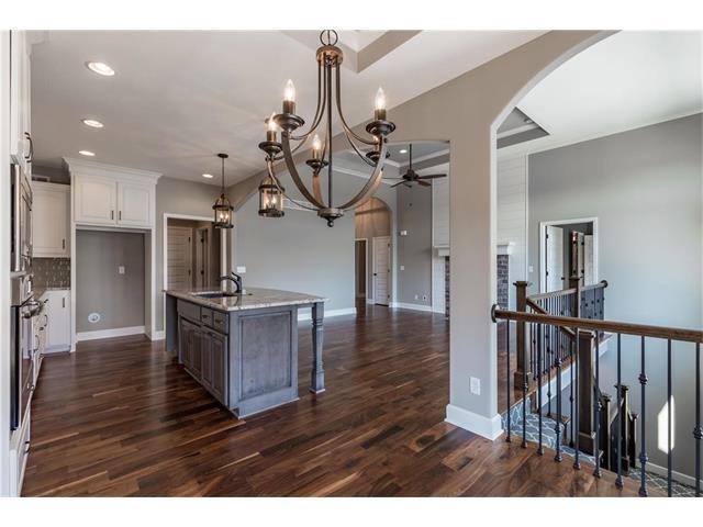 25502 W 98th Street, Lenexa, KS 66227 (#2086306) :: The Shannon Lyon Group - Keller Williams Realty Partners