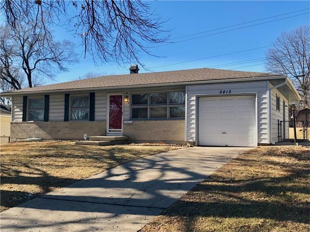5412 N Flora Avenue, Kansas City, MO 64118 (#2087001) :: Edie Waters Team