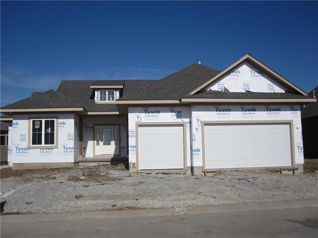 10606 W 132nd Court, Overland Park, KS 66213 (#2087472) :: Char MacCallum Real Estate Group