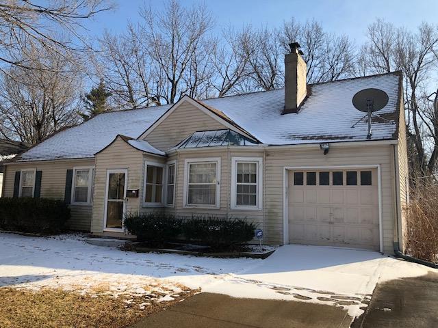 11905 E 43rd Terrace, Kansas City, MO 64133 (#2087722) :: Edie Waters Team