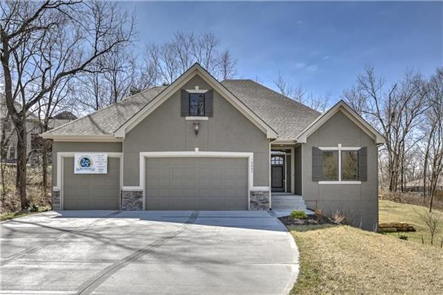 20002 W 220th Terrace, Spring Hill, KS 64083 (#2088036) :: Char MacCallum Real Estate Group