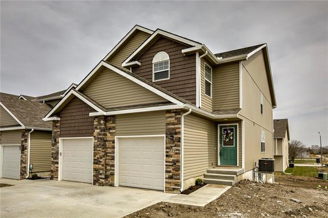 233 Pointe Lane, Raymore, MO 64083 (#2088394) :: NestWork Homes
