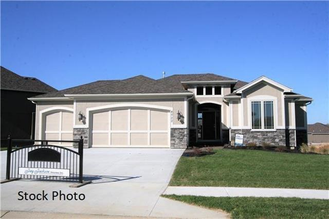 14805 NW 66th Terrace, Parkville, MO 64152 (#2088898) :: Edie Waters Team