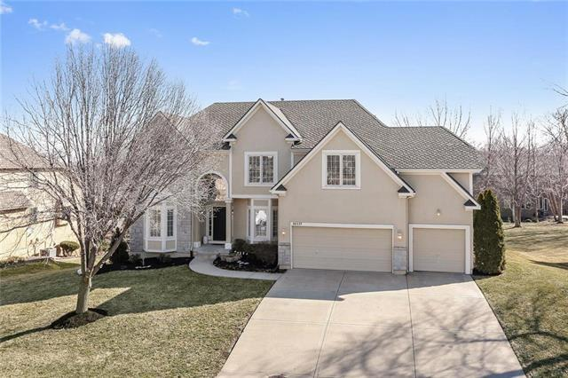 14117 Garnett Street, Overland Park, KS 66221 (#2089071) :: Edie Waters Team