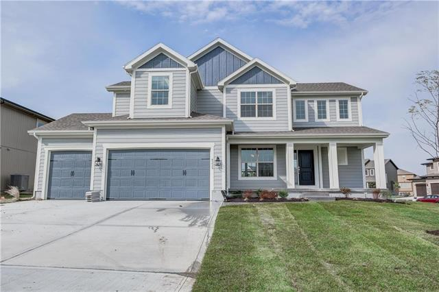 4229 SW Stoney Brook Drive, Lee's Summit, MO 64082 (#2089433) :: Char MacCallum Real Estate Group