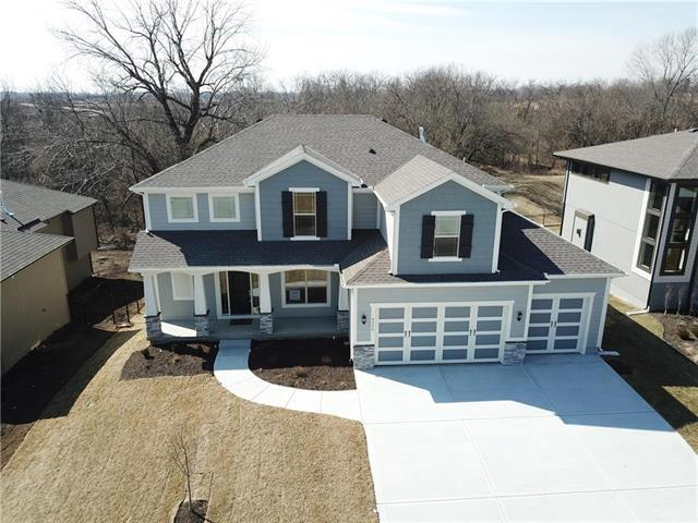 4224 SW Stoney Brook Drive, Lee's Summit, MO 64082 (#2089438) :: Char MacCallum Real Estate Group