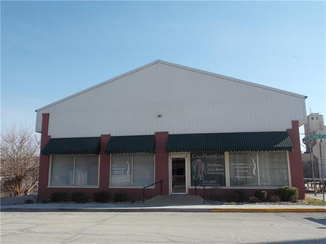 940 Commercial Street, Atchison, KS 66002 (#2090070) :: Char MacCallum Real Estate Group