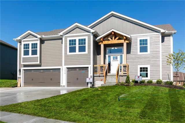 11618 N Winchester Avenue, Kansas City, MO 64156 (#2090644) :: NestWork Homes