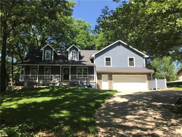 8200 NW Eastside Drive, Weatherby Lake, MO 64152 (#2091816) :: Char MacCallum Real Estate Group